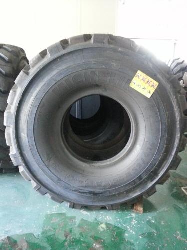 TM 750 65R25 XAD (1)
